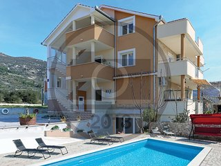 3 bedroom Apartment in Kaštel Gomilica, Croatia - 5562484