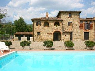 3 bedroom Villa in Fondaccio, Tuscany, Italy : ref 5490402