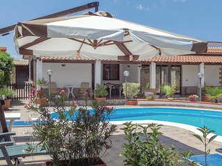 2 bedroom Villa in Piano di Trappeto, Sicily, Italy : ref 5541304