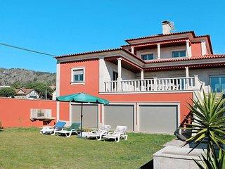 5 bedroom Villa in Rio de Moinhos, Braga, Portugal : ref 5442455