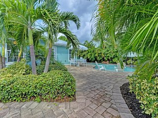 Dog-friendly, tropical villa with a private, heated pool - walk to the beach!