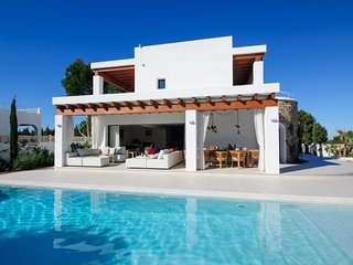 4 bedroom Villa in Cala Gracio, Balearic Islands, Spain - 5579780