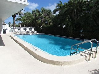 Relaxing Couples Getaway - Bayside #14 - Available in May - 2 Night Minimum