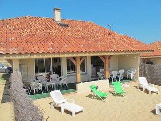 4 bedroom Villa in Contis-les-Bains, Nouvelle-Aquitaine, France : ref 5434837