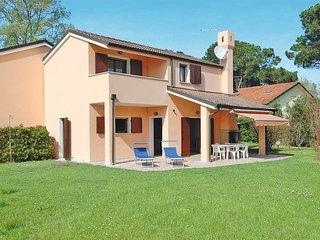 3 bedroom Villa in Isola Albarella, Veneto, Italy : ref 5434181