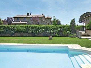 2 bedroom Apartment in Fratta-Santa Caterina, Tuscany, Italy : ref 5540165