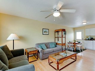 Charming condo with private, heated pool - just a quick walk from the beach!