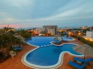 beautiful condo, close to the beach in romantic zone