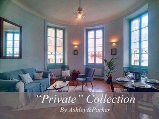 Ashley&Parker - L'Artiste Rotonde centre proche mer