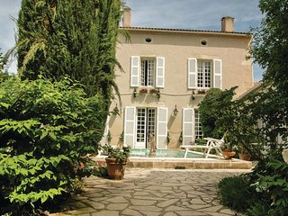 4 bedroom Villa in Moncrabeau, Nouvelle-Aquitaine, France : ref 5570140