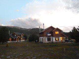 Cabaña de aldea de Montaña, en donde la naturaleza esta en su estado mas puro.
