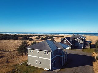 Book 2 Get 2 Nights FREE! Ocean view! Pets, SmartTV/cable/WiFi  (KnoleG)