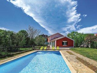 3 bedroom Villa in Gizdavac, Splitsko-Dalmatinska Županija, Croatia : ref 556217