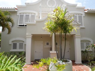 Absolutely Superb 3 Bedroom 2.5 Bathroom Townhouse