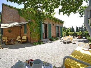 2 bedroom Villa in Cortona, Tuscany, Italy : ref 5457523