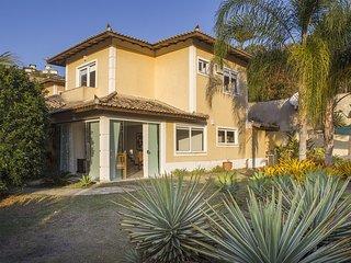 Villa Shellona BZ060