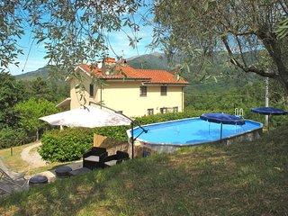 4 bedroom Villa in San Martino in Freddana-Monsagrati, Tuscany, Italy : ref 5447
