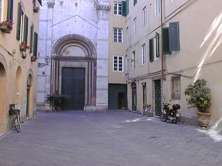 2 bedroom Apartment in Lucca, Tuscany, Italy : ref 5487003