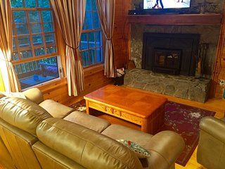 Beautiful Cabin close to downtown Boone