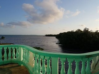 See Belize Relaxing 1-BR Sea View Vacation Rental