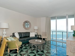 Luxurious Highrise  Ocean view suite 2 Bedrooms at the W Miami!. FREE SPA