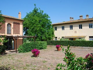 3 bedroom Apartment in Nebbiano, Tuscany, Italy : ref 5241927