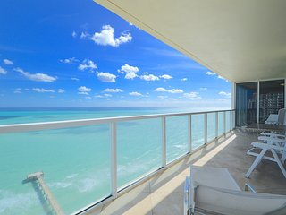 DIRECT OCEAN! MASSIVE CORNER! WOW! LARGE BALCONY!