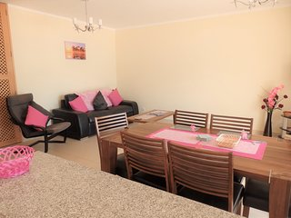 Flamingo, Royal Cabanas Beach, Licensed Apartment