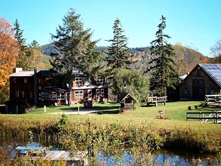 Chester Farmhouse on 100 Acres, 15 Min to Okemo!