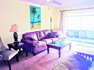 Tropical Dreams Sarasota  -  Close to Siesta Key 2Br  King beds  Lanai  Villa #5