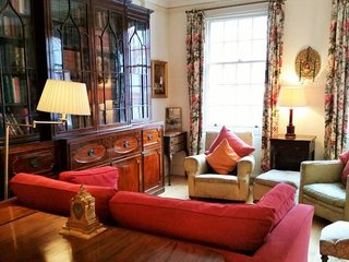 Vintage British 1 bed flat in Marylebone