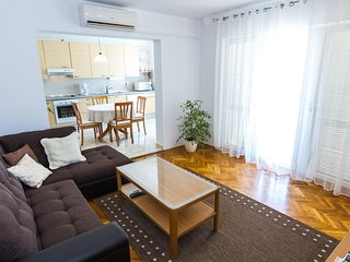 Smiric Apartment Sleeps 5 with Air Con - 5464866