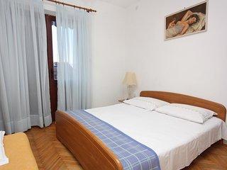 One bedroom apartment Jelsa, Hvar (A-5728-d)