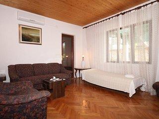 Two bedroom apartment Jelsa, Hvar (A-5728-b)