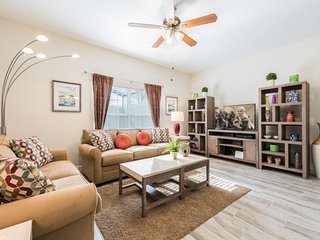 Modern Bargains - Storey Lake Resort - Beautiful Cozy 5 Beds 4 Baths Townhome