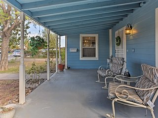 NEW! Quaint 2BR Glendale Home - Walk to Downtown!