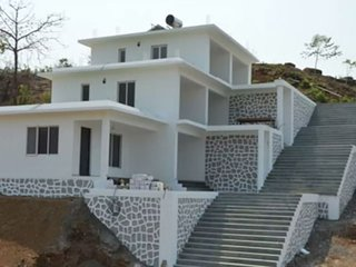 Exclusive 6 BHK bungalow conveniently located