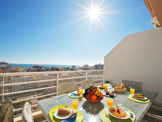 SUPERB APARTMENT, WI-FI, A/C, W/ MARVELLOUS SEA VIEWS AND 5 MIN FROM THE BEACH