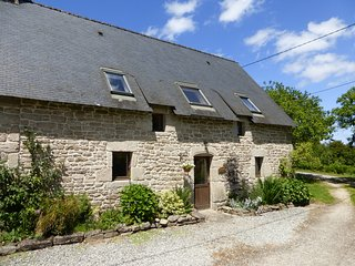 Chestnut Cottage is a beautiful 2 bedroom stone cottage (sleeps 5)