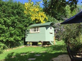 Cherryberry Lodges Shepherds hut