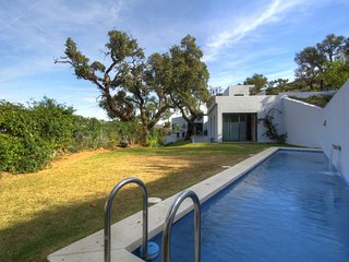 Stunning Contempary villa set in amazing location