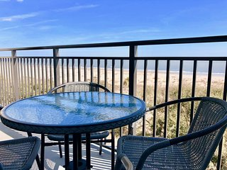 Beautiful Directly Oceanfront 3 Bed 3 Bath Shipwatch Penthouse in Wild Dunes!