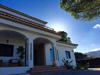 Luxury villa with private pool, BBQ, sauna, fitness