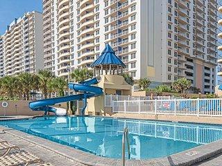 Spring Break! Beautiful Resort right on Daytona Beach!