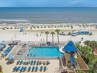Beautiful Resort right on Daytona Beach!