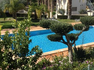 Perfekt location with pool for 8 people, few steps to a little beach