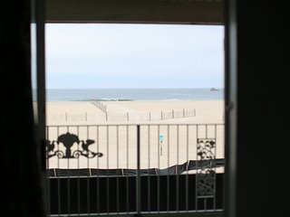 Ocean Front 2-Room Suite Apt 3 at the Colony Apartments