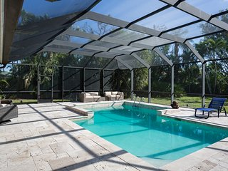 Huge 3BR/2.5BA Southern Pool Home w/ Contemporary Design in beautiful Kings Lake
