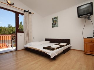 One bedroom apartment Starigrad, Paklenica (A-6431-b)