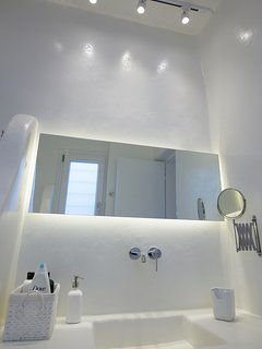 Mykonos Art Villas bathroom 4